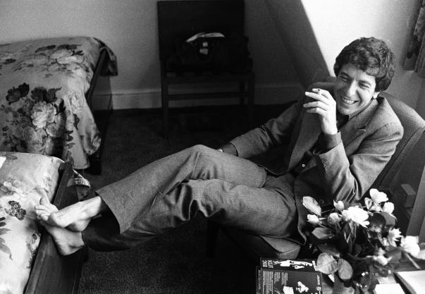 Leonard Cohen Relaxes